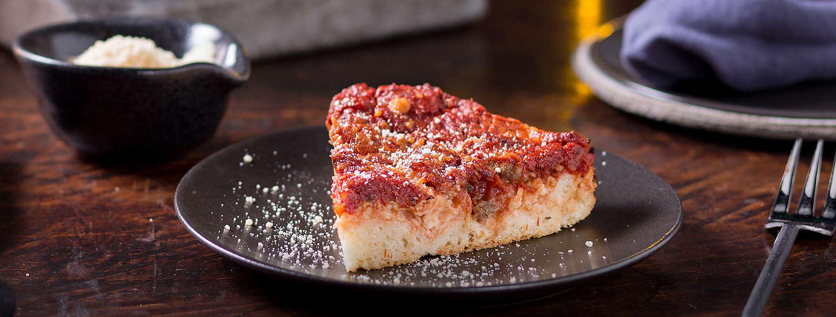 couples-meals-chicago-pizza.jpg