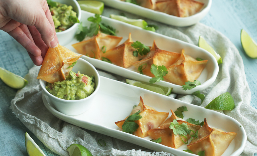 FY17 ReadySetEat Spicy Chicken Wontons 820x500.jpg