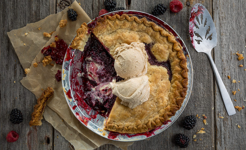 razzleberry-pie-with-cinnamon-ice-cream_820x500.jpg