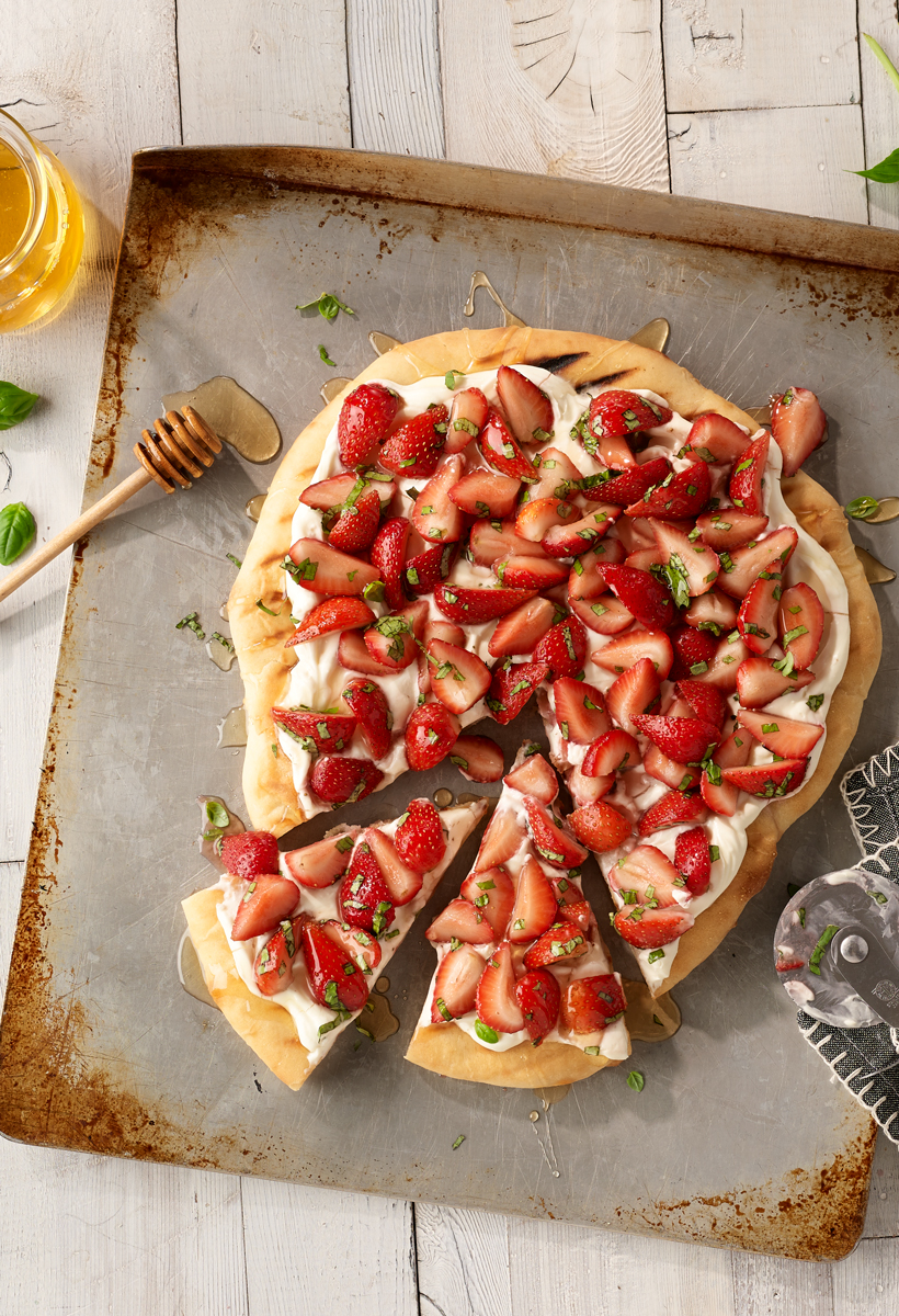 Grilled-Strawberry-and-Basil-Dessert-Pizza_820x1200.jpg
