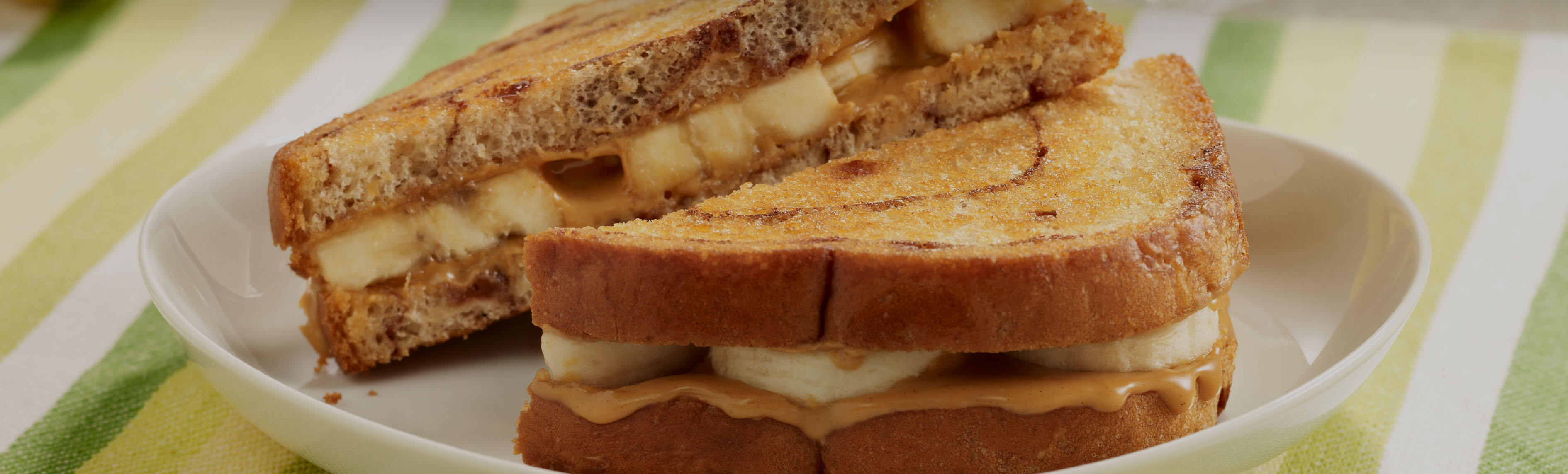 Grilled Peanut Butter and Banana Sandwiches