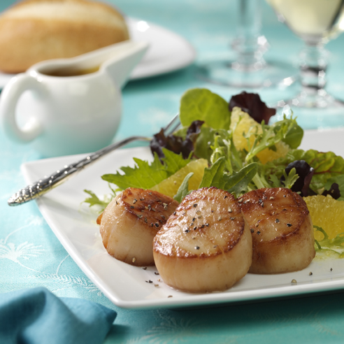Seared Scallops on Mixed Greens with Citrus Vinaigrette