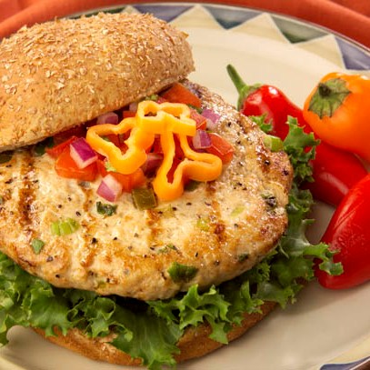 Homemade Jalapeno Turkey Burger Recipe from Scratch | Homemade Recipes http://homemaderecipes.com/bbq-grill/19-memorial-day-recipes