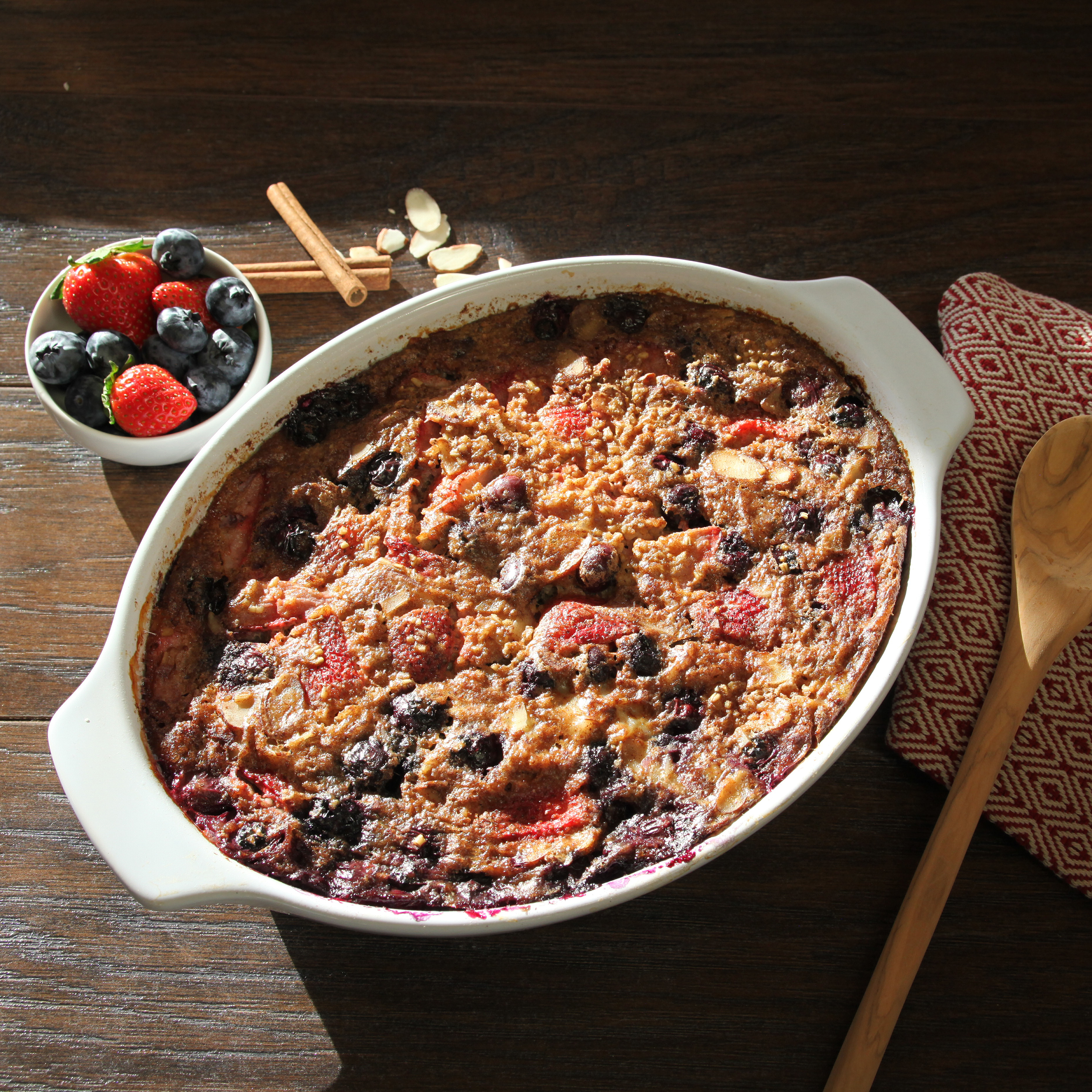 Almond Berry Baked Oatmeal